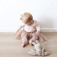 Darling Frankie @blondeandbone is divine in her sweet baby ballet tutu Just a couple of these left now before Christmas in our new Ivory colour ☺️ xx Rosie @hubbleandduke #hubbleandduke #tutu #baby #babygirl #ballet #blondandbone