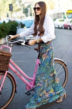 So beautiful! A white blouse with a long colorful skirt! The hair is beautiful too! I adore this!