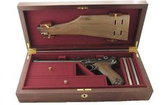 Luger Artillery / Navy Model Pistol Case. Weapons Guns, Guns And Ammo, Luger Pistol, Pistol Case, Gun Rooms, Campaign Furniture, Gun Cases, Custom Guns, Military Guns