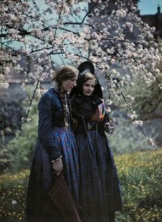 約100年前に撮影された世界22カ国の民族衣装に身を包む少女たちの貴重なカラー写真 - DNA ドイツ