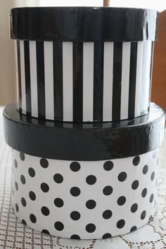 Stacking Black and White Containers ~ love these
