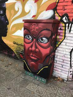 En el #Poblenou #Barcelona (calles Selva de Mar con Perú) hay una #EsquinasMagicas donde #grafiteros de todas clases y lugares vienen periódicamente a mostrarnos su arte. Los vecinos de la zona cada cierto tiempo venimos a disfrutar de sus obras. #StreetArt #Graffiti #murales #ArteCallejero