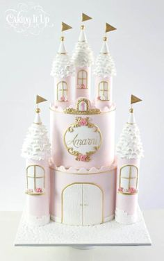 Princess Castle Birthday Cake These 13 Amazing Princess Cake Ideas are perfect for any princess birthday party! Find your favorite princess birthday cake for your little one's party! 1st Birthday Princess, Birthday Cake Girls, Princess Party, 4th Birthday, Birthday Celebration, Birthday Ideas, Bolo Rapunzel, Castle Birthday Cakes, Princess Cake Toppers