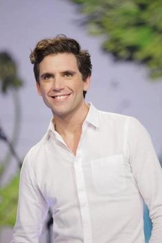 Mika on THE TONIGHT SHOW WITH JAY LENO 10/25/12