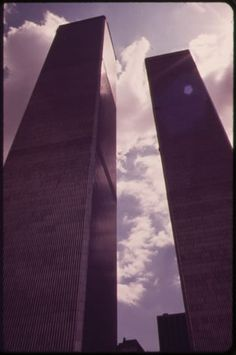 40 years ago the newly constructed World Trade Center loomed large over Lower Manhattan. World Trade Center Nyc, Trade Centre, Battery Park, Lower Manhattan, Still Picture, Photo Vintage, Photo Maps, Vintage New York, Amazing Buildings