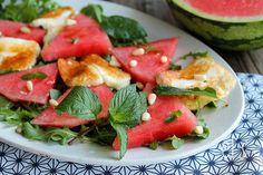 Salade de pastèque aux herbes et halloumi - aime & mange