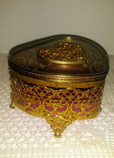 Vintage Heart Shaped Gold Filigree Jewelry Box by JewelsRosesNRust