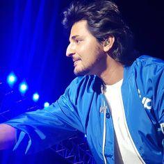 @darshanravaldz in #Gandhinagar #concertnight  #darshanravalsongs #Darshan_raval😍 #darshanraval #darshanravalslays… Dear Crush, My Crush, Love Guru, Save Image, Bollywood Actors, Celebs, Celebrities, Hd Images, Music Stuff