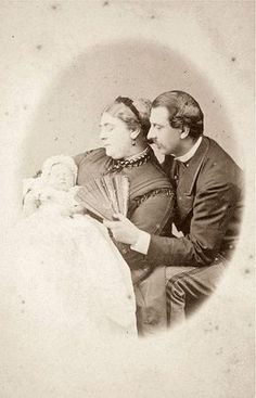 """Princess Mary """"May"""" of Teck (later Queen Mary) born May and her parents. Francis, Duke of Teck and Princess Mary Adelaide of Cambridge, a granddaughter of King George III. Although a princess of Teck, Queen Mary was born and reared in England, Queen Elizabeth Grandmother, Princess Elizabeth, Princess Victoria, Princess Mary, Elizabeth Ii, Victoria Reign, Queen Victoria, Queen Mary Of England, Adele"""