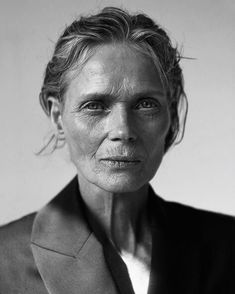 Finest black and white photography ladies portrait Black And White Portraits, Black And White Photography, People Photography, Portrait Photography, Photography Ideas, Old Faces, Beautiful Old Woman, Beautiful Images, Too Faced