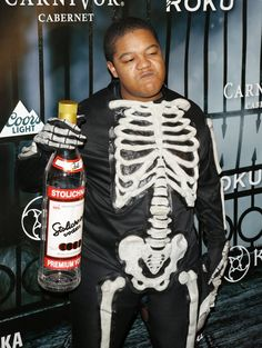 Pin for Later: The Celebrity Halloween Costumes of 2015 Kyle Massey as a Skeleton
