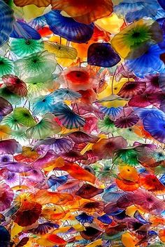 Glass Ceiling by Dale Chihuly: Located in the Bellagio Lobby in Las Vegas. I got married at the Planet Hollywood chapel, that is decorated with Chihuly glass. Dale Chihuly, Glass Installation, Over The Rainbow, Pics Art, Belle Photo, Amazing Art, Amazing Photos, Awesome, Cool Art