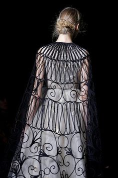 hinthint:    Valentino Spring 2013 Couture Collection Slideshow on Style.com