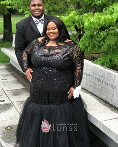 black sequin and tulle long sleeve trumpet plus size prom dress Source by genevievelumor Dresses plus size Plus Prom Dresses, Evening Dresses Plus Size, Prom Dresses With Sleeves, Backless Prom Dresses, Black Prom Dresses, Tulle Prom Dress, Plus Size Dresses, Formal Dresses, Dress Black