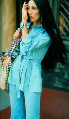Cher in a very seventies pants suit. Look Vintage, Vintage Mode, Vintage 70s, Moda Disco, Pantalon Elephant, 70s Fashion, Vintage Fashion, Fashion Women, Seventies Fashion