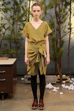 See the complete Band of Outsiders Fall 2010 Ready-to-Wear collection.