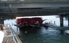 Seerose unterquert die Achereggbrücke auf der Fahrt nach Flüelen