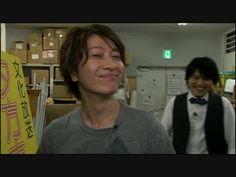 smile 360×270 ピクセル Hiroshi Kamiya, Durarara, Holy Family, Voice Actor, The Voice, Actors, Manga, Sagrada Familia, Manga Anime