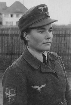 Luftwaffe Helferin.