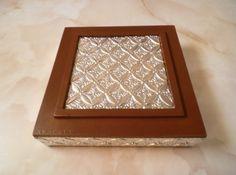 Caja joyero repujado con aluminio http://aracelyasmine.blogspot.com/2014/01/caja-repujado-aluminio.html