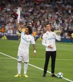 Marcelo & Cristiano Ronaldo World Best Football Player, Real Madrid Football Club, Good Soccer Players, World Football, Football Players, College Football, Liga Soccer, Ronaldo Football, Cristiano Ronaldo 7