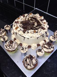 Chocolate sponge cake with fresh cream with caramel + chocolate cupcakes with fresh cream caramel