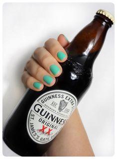 🍀 𝑯𝒂𝒑𝒑𝒚 𝑺𝒕 𝑷𝒂𝒕𝒓𝒊𝒄𝒌'𝒔 𝑫𝒂𝒚 🍀  #happystpatricksday #happystpaddysday #stpaddysday #stpatricksday #greennails #stpatricksdayoutfit #stpatricks #paddydaynails #stpatricksdaynails #stpatricksdaynails2019 #mattnails #pintoftheblackstuff #pintofguiness #luckoftheirish #fourleafclover #greennails💚 Happy St Paddys Day, Happy St Patricks Day, St Patricks Day Nails, St Patrick's Day Outfit, Luck Of The Irish, Green Nails, Matte Nails, Photo And Video, Beautiful