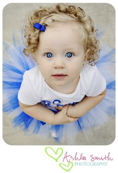 Toddler Photography l Ashlee Smith Photography http://www.ashleesmithphotography.com/    And by the way this is my BEAUTIFUL Niece!
