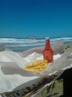 New Zealand Christmas - Fish and Chip and Watties Tomato Sauce How To Wrap Flowers, Kiwiana, Home Food, Fish And Chips, Food Cravings, Tomato Sauce, Fried Chicken, New Zealand, Christmas Holidays