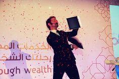 Magiciens IPAD à Muscat pour la plus grosse banque d'Oman   Evénementiel   Agence artistique   Agence de spectacle
