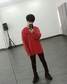 SB19 JOSH MIRROR SHOT Korean Entertainment Companies, Pop Rocks, Boy Groups, Mirror, Boys, Outfits, Saints, Baby Boys, Suits