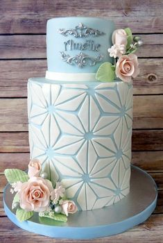 Wedding cakes - A really useful info on cake strategies and ideas. Desire for additional gorgeous example, visit the link right now. Pretty Cakes, Beautiful Cakes, Amazing Cakes, Fondant Cakes, Cupcake Cakes, Cake Decorating Techniques, Decorating Ideas, Geometric Cake, Patterned Cake