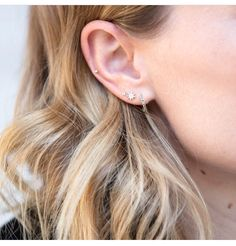 Piercings ear unique for girls ideas unusual cool lobe double hoop sta BEAUTY Tiny Stud Earrings, Emerald Earrings, Silver Hoop Earrings, Crystal Earrings, Silver Hoops, Silver Ring, Earring Studs, Drop Earrings, Ear Peircings