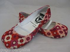 IRREGULAR CHOICE (vintage) RED/PINK FLORAL ,FLAT SHOES ♡