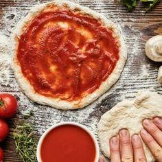 Machen Sie Ihren Pizzateig schon mit dieser geheimen Zutat? Best Pizza Dough, Good Pizza, Pizza Restaurant, Restaurant Recipes, Instant Yeast, Recipe Images, Empanadas, Food And Drink, Salads