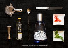 G Gin Mare T 1724 B Manjericão, Tomate cherry Sentimos uma brisa do Mediterrâneo quando provamos este Gin. O manjericão é uma das botânicas nas infusões do Gin Mare e vamos utilizá-lo aqui como inspiração italiana, com a clássica mistura manjericão e tomate. Além de ficar visualmente muito ...