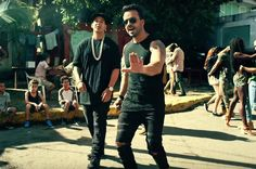 Luis Fonsi & Daddy Yankee's 'Despacito' Tops Hot 100 for Fifth Week | Billboard