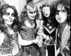 Hotter Than Hell Tour 1974-'75 -