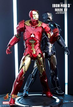 Hot Toys : Iron Man 3 - Sneaky Mark XV (Retro Armor Version) 1/6th scale Collectible Figure