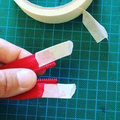 Como poner carro de cremallera con cinta. How to insert zipper slider