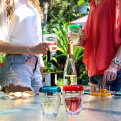 Smooth sipping just got colorful with decorated wine glasses and new stemless wine glass. 🍷@ilovepenguins100 #wine #wineglass #outdoor #poolside #entertaining