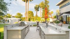 Outdoor Kitchens That Will Make Your Mouth Water