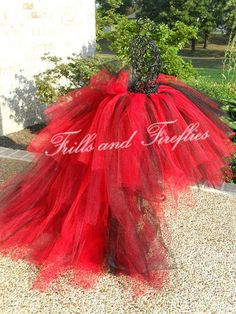 Queen of Hearts Tutu is So Cute.. Great Costume, Bachelorette Parties, Halloween, Photo Shoot, Party Theme Outfit... Baby to Adult Sizes on Etsy, $39.00