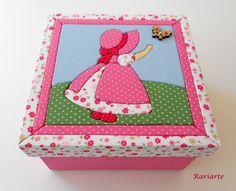 Patchwork Embutido em caixa de MDF forrada interna e externamente com tecido.  Diversas cores, tamanhos e modelos. R$ 59,90