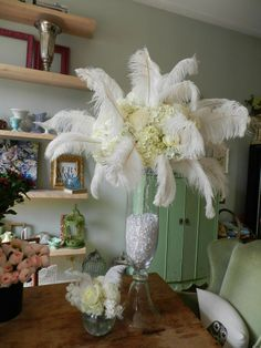How*s this for a 1920*s inspired centerpiece? Do you like it?