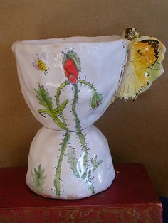 Julie Whitmore Pottery I absolutely love this pottery I would love to have some☺
