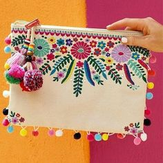 Nothing says Cinco de Mayo like an embroidered pom-p .- Nichts sagt Cinco de Mayo wie eine bestickte Pom-P… – Nothing says Cinco de Mayo like an embroidered pom-p … – - Etsy Embroidery, Embroidery Bags, Hand Embroidery Designs, Machine Embroidery, Pom Pom Clutch, Sacs Design, Christmas Embroidery Patterns, Flower Bag, Embroidery Techniques