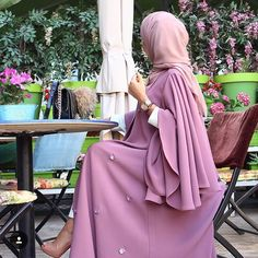 Hijab Fashion Selection of over 100 looks in trendy and chic Abaya Hijab Outfit, Hijab Dress, Disney Wedding Dresses, Pakistani Wedding Dresses, Pakistani Outfits, Indian Dresses, Islamic Fashion, Muslim Fashion, Modest Fashion