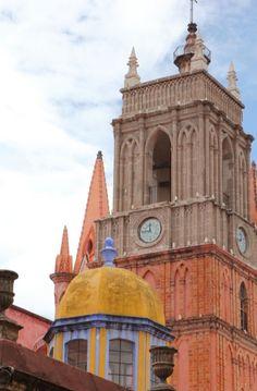 Iván Madrigal, San Miguel de Allende http://issuu.com/revistastrobo/docs/num2