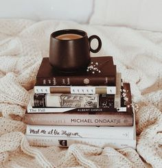 Reading Inspiration - Book and Coffee Book And Coffee, Coffee And Books, Coffee Cup, Coffee Photography, Types Of Photography, School Photography, Hipster Photography, Nice Photography, Photography Books